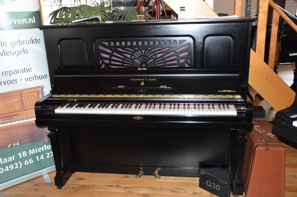 Steinway and Sons piano met QRS systeem (zelfspelend)